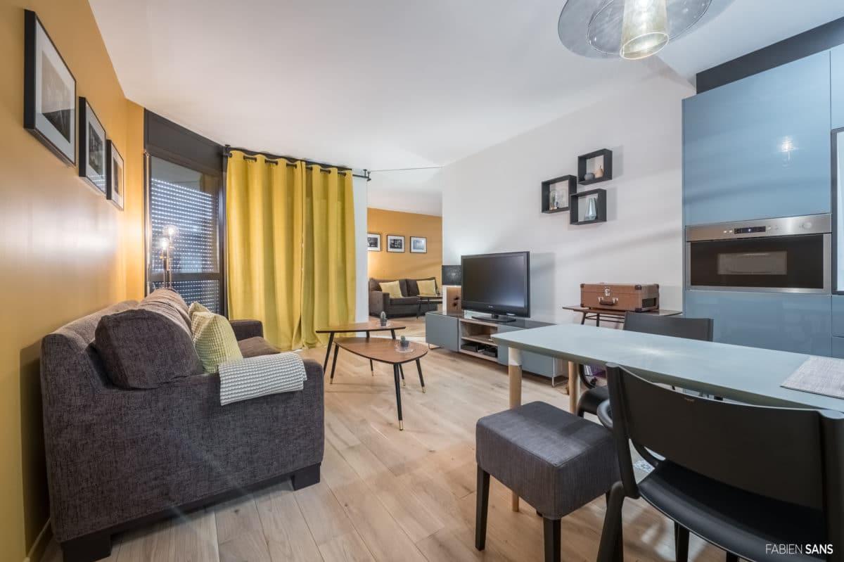 Appartement fifties jaune bleu et gris